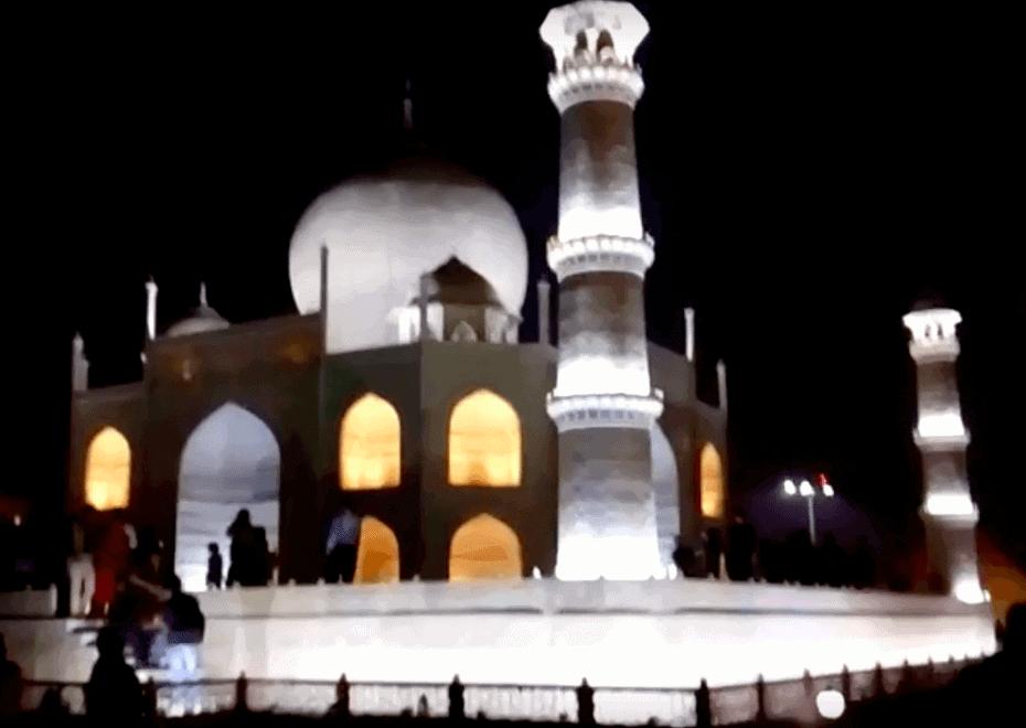 Visita noturna ao Taj Mahal, Agra, India