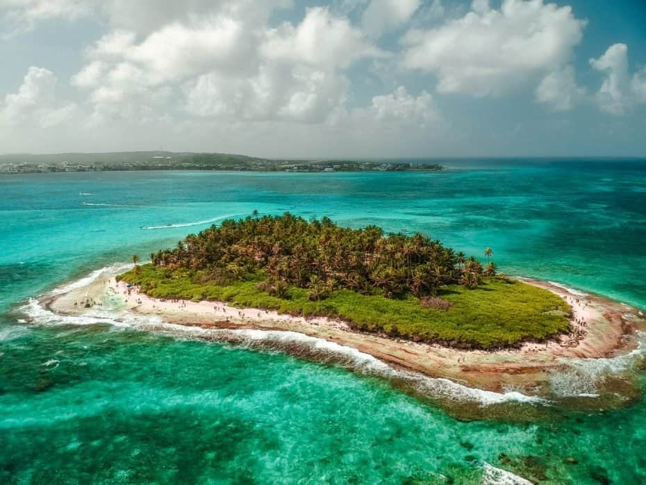 Vista do drone de Johnny Cay, San Andres