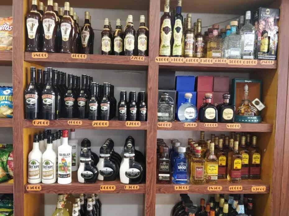 Compras de bebidas em San Andres