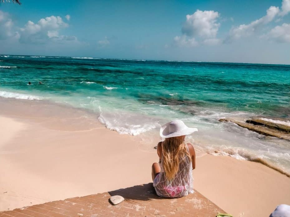 Praia paradisíaca em Johnny Cay