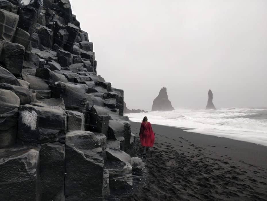 A praia mais linda do mundo - Reynisfjara, a praia preta da Islândia