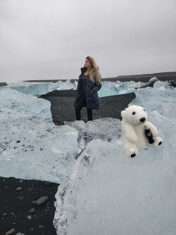 Diamond Beach - a praia preta com diamantes de gelo na Islândia