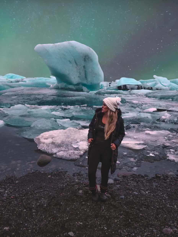 Jökulsárlón - o principal glacial da Islândia do lado da Diamond Beach