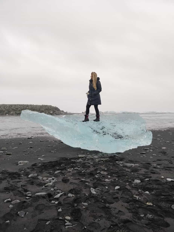 Praia preta com blocos de gelo - Diamond Beach Islândia