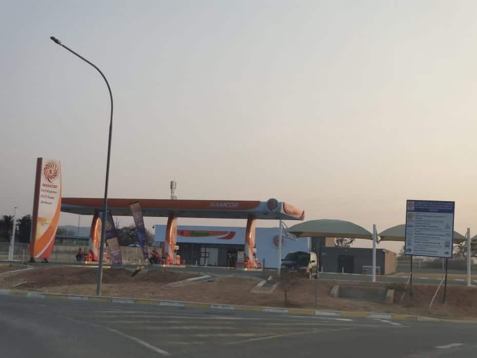 Posto de combustível na Namíbia