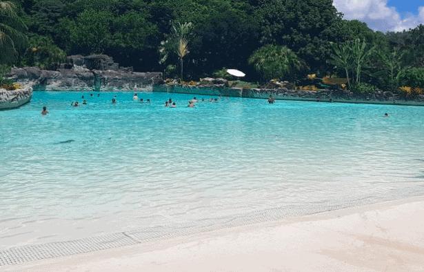 Piscina de ondas, Arraial Eco Parque