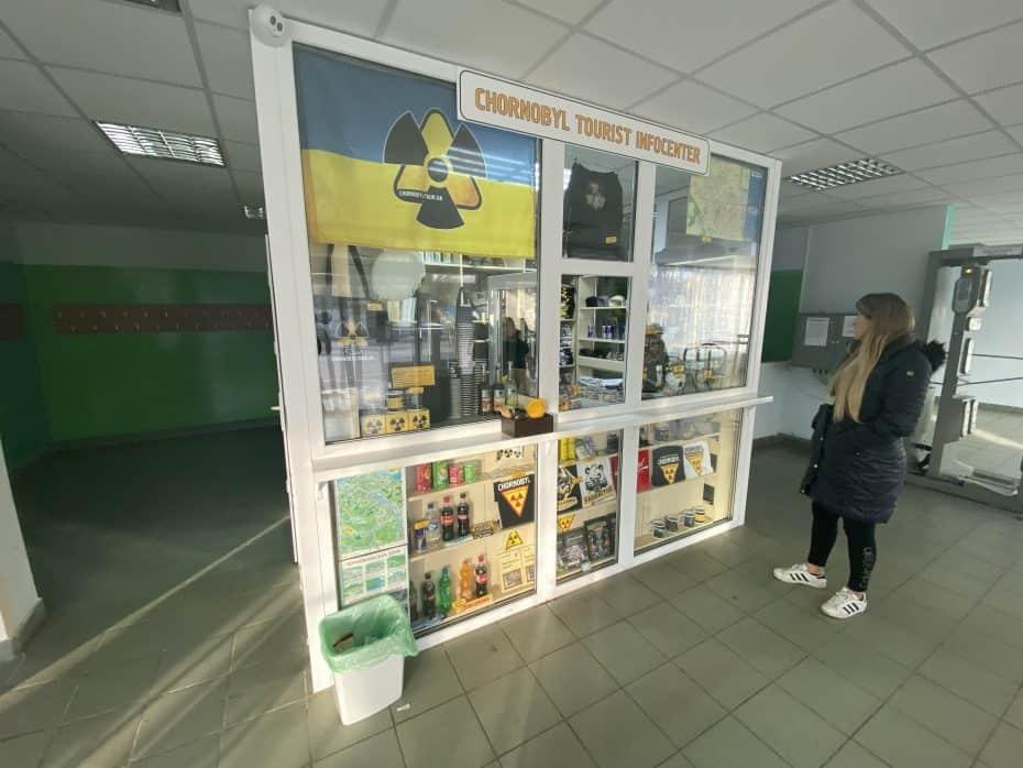 Lojinha dentro do restaurante de Chernobyl