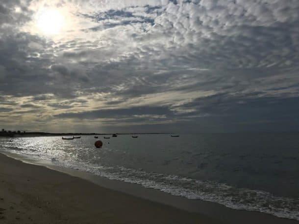 Fim de tarde na Praia do Coqueiro.