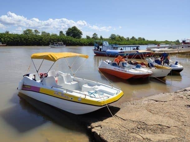 Embarcação para passeio privativo ao Delta do Parnaíba.