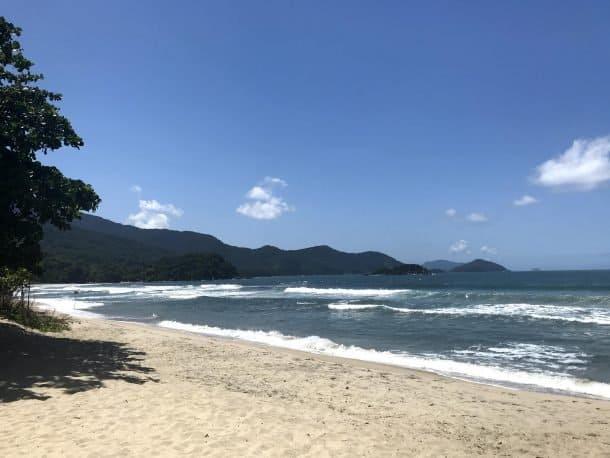Praia de Castelhanos em Ilha Bela
