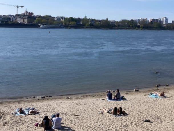 Praia fluvial em Bonn