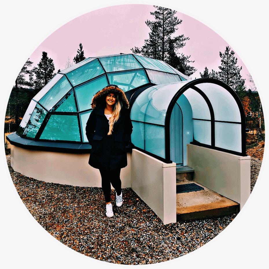 ver aurora boreal de dentro de um iglu na Finlândia