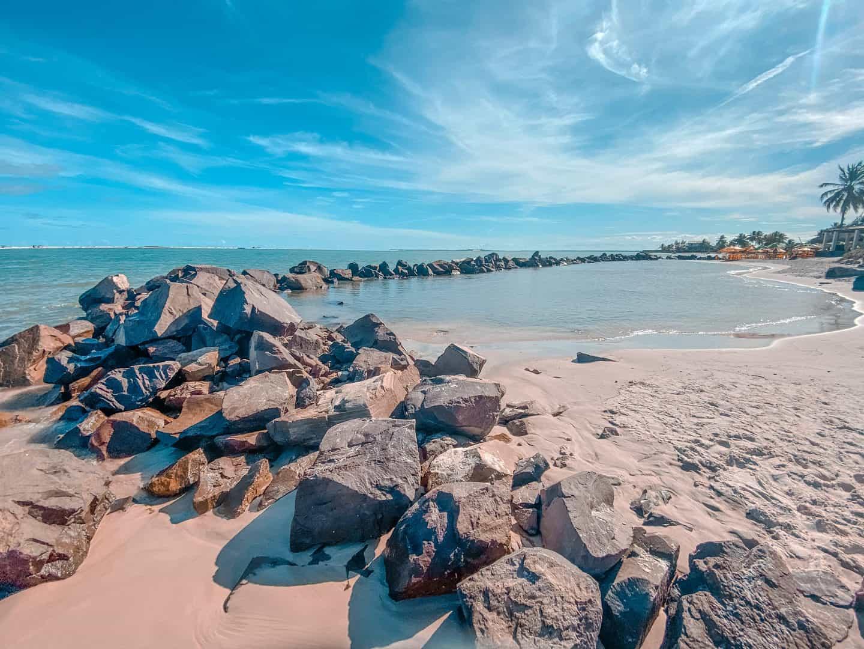 O que fazer na Praia do Saco SE